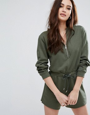 Mama-friendly outfits are all one piece. One anddone.